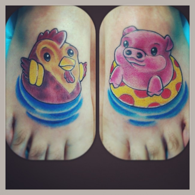 Rooster and Pig on Feet