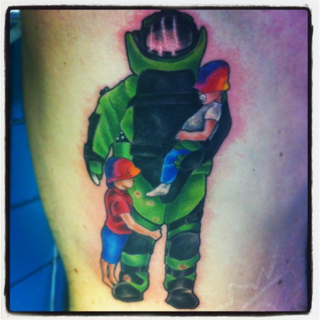 Bomb Tech Carrying Kids Color Tattoo